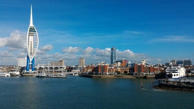 Arrivée sous le soleil à Portsmouth.